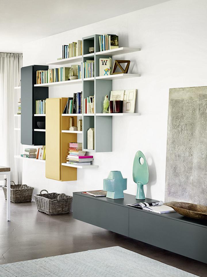 hangende boekenkast met deuren